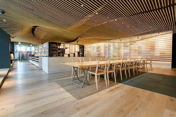 Sử dụng thanh lam gỗ nhựa trang trí nhà hàng