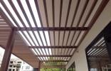Kết hợp độc đáo từ sàn gỗ ngoài trời và lam che nắng gỗ nhựa