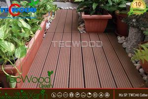 gỗ lát sân vườn