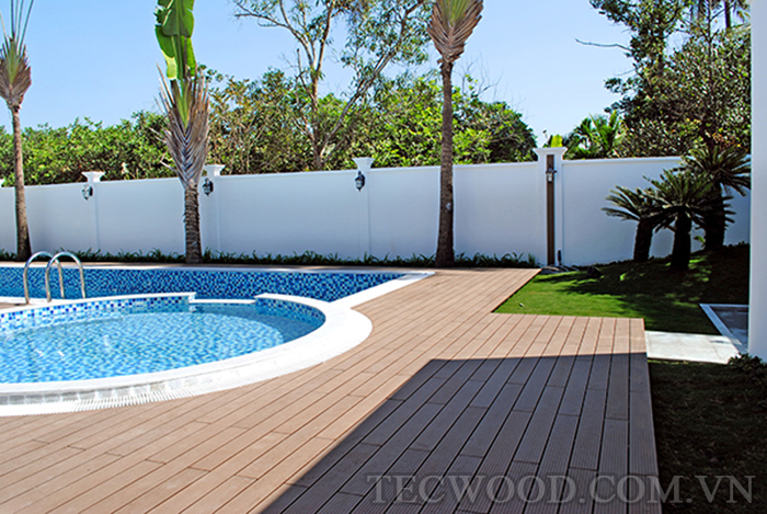 Một trong những kiểu sàn ngoài trời phù hợp cho lót hồ bơi