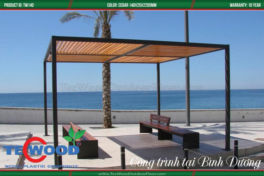 Ấn tượng với mẫu lam gỗ nhựa che nắng tại bãi biển