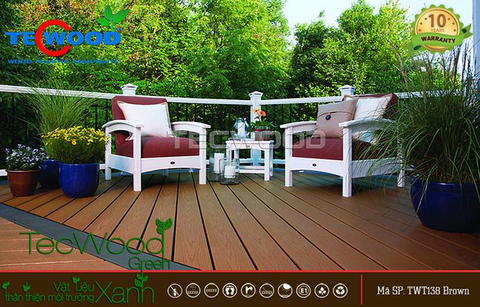 sàn nhựa vân gỗ lót sân vườn