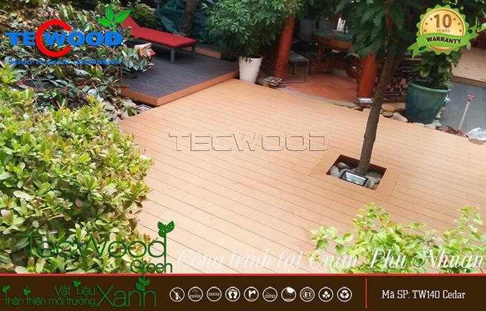 sàn nhựa giả gỗ ngoài trời lót sân vườn