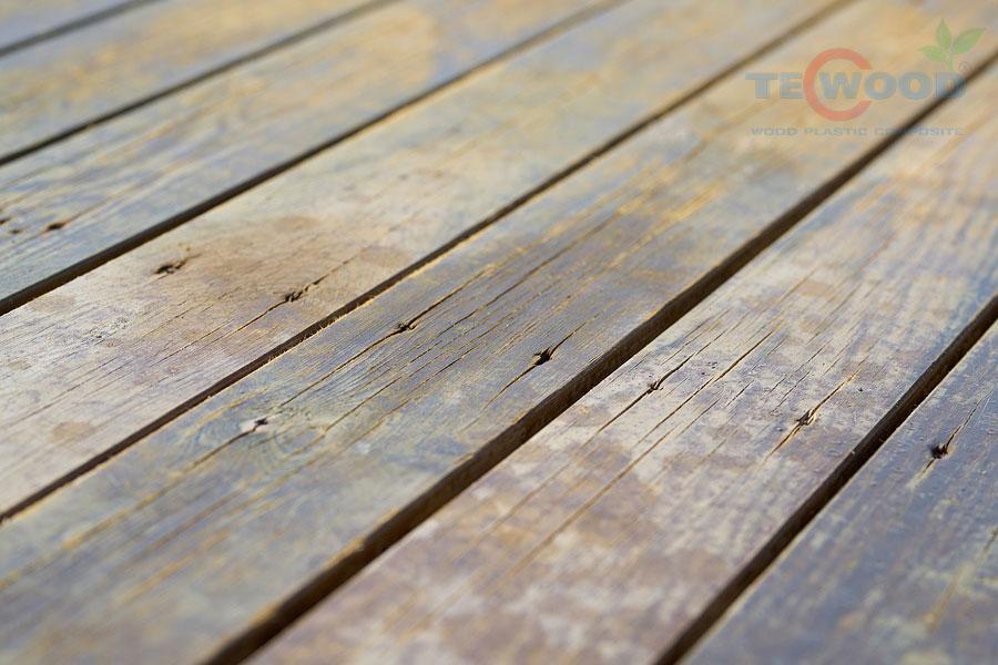 sàn gỗ bị bạc màu