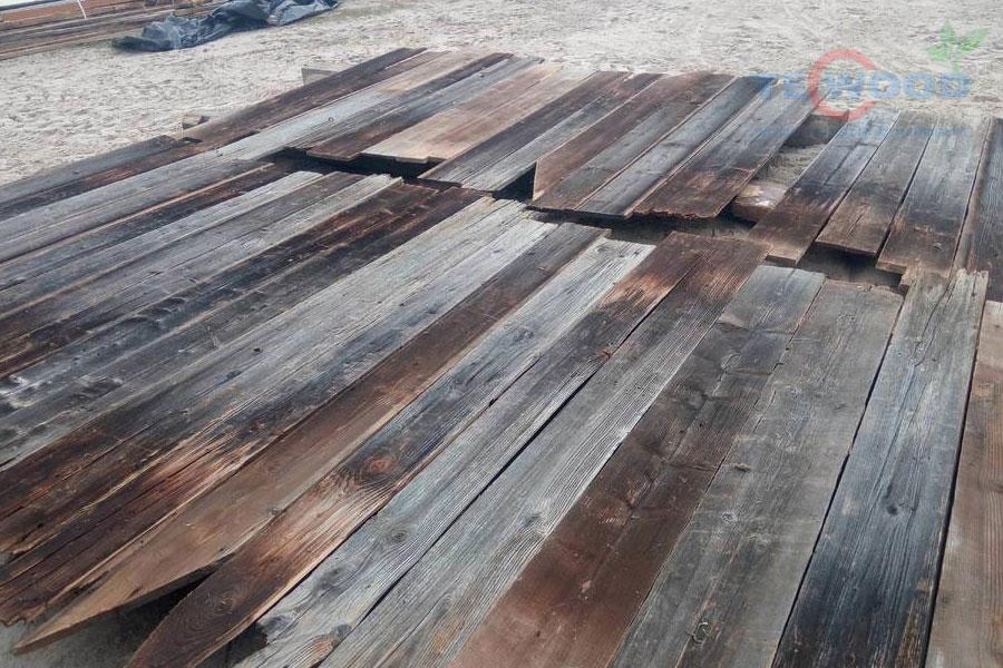 sàn gỗ bị ẩm móc