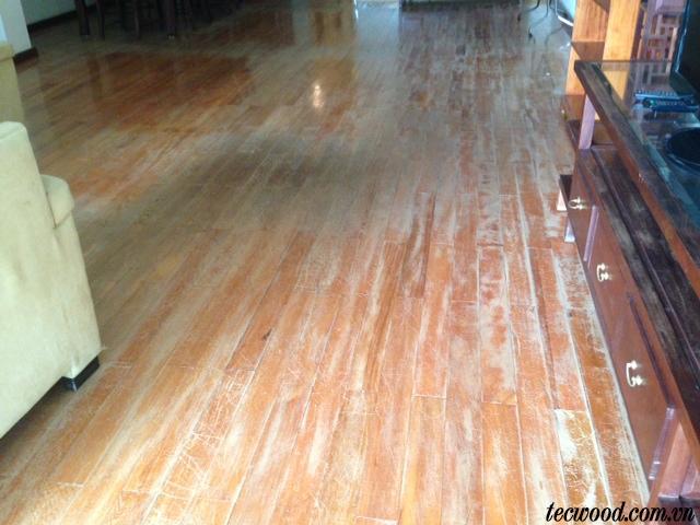 Cách xử lý sàn gỗ bị phồng rộp, cong vênh